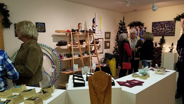 Garden Valley Center for the Arts gallery all decorated with Christmas items for sale.  Photo by Janet Juroch